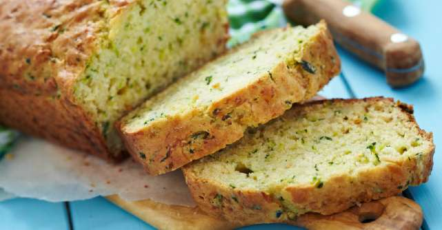 Reteta de zucchini bread in trei variante, checul versatil pentru micul dejun
