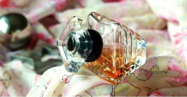 Parfumuri la reducere in oferta de sarbatori