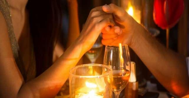 Cum sa planifici o seara romantica in doi. 5 pasi simpli pe care poti sa-i pui oricand in aplicare