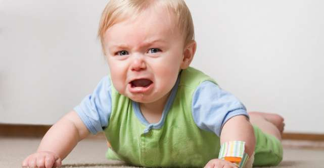 Plânsul vindecă și echilibrează: cum facem față crizelor și perioadelor de negație la copii