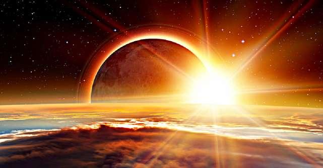 Pe 26 mai avem Eclipsă totală de Lună în Săgetător, un eveniment rar ce ne aduce iluminare și vindecare