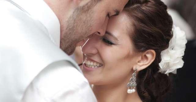 10 Melodii care sa nu iti lipseasca din playlistul de nunta