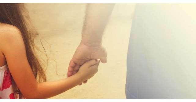 Un tata si-a pedepsit fiica de trei ani. Ce a facut micuta? Mi-au dat lacrimile