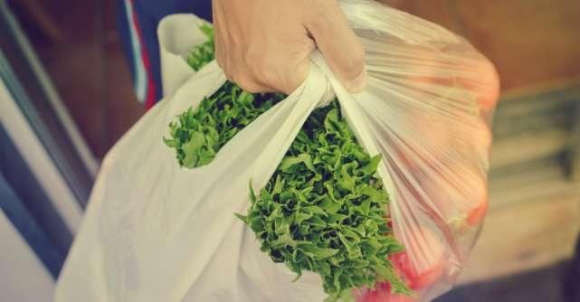 Decizie istorică: pungile din plastic vor fi interzise în această țară