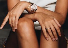 Combinația de brățară și ceas este perfectă pentru orice ținută: cum o obții