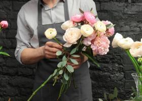 Ofera-i cadoul perfect de Paste: 3 buchete de flori care o vor impresiona