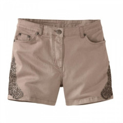 Pantaloni scurti din macrameu pe lateral