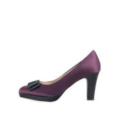 Pantofi cu toc violet cu funda neagra de la Victoria Delef