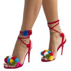 Sandale rosii cu ciucuri