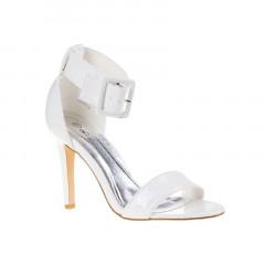 Sandale albe cu toc si catarama