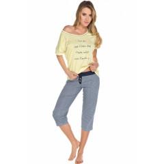 Pijamale cu pantaloni trei sferturi