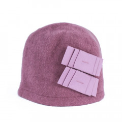 Caciula din lana roz prafuit