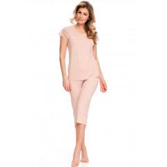 Pijama moderna, de culoare roz-deschis, cu insertii din dantela