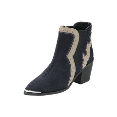 Botine cu croco print, nituri si element metalic