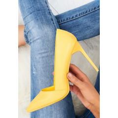 Pantofi stiletto galbeni cu toc inalt si subtire
