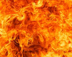 Arzatoare ca focul care poate incalzi sau poate distruge.