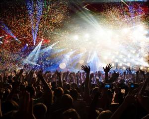 M-as duce la un concert, la o petrecere sau la un spectacol.