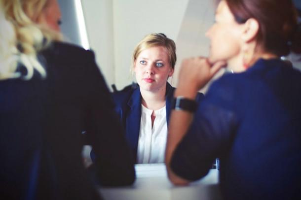De ce ai renuntat la ultimul tau loc de munca?